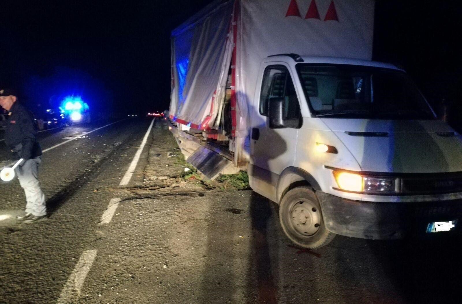 Scontro auto-camion sulla Modica-Ispica: ferita una donna