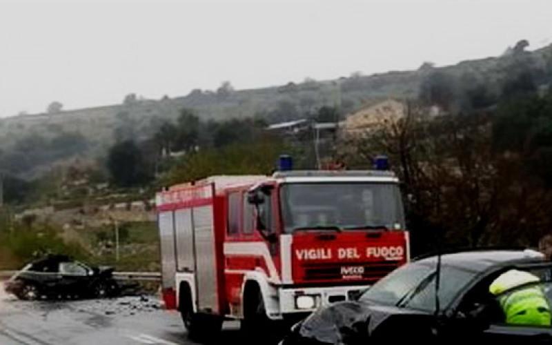Scontro frontale sulla Modica - Ragusa, morto un uomo di Rosolini