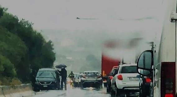 Modica, carambola di auto sul ponte Costanzo: traffico in tilt