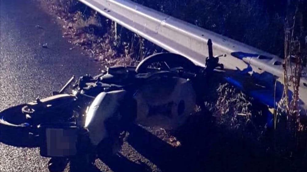 Palermo, con la moto si schiantano contro il guard-rail: morto uno studente