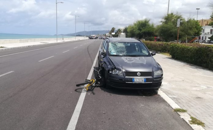 Travolto da un'auto, ciclista muore in un incidente a Sant'Agata Militello