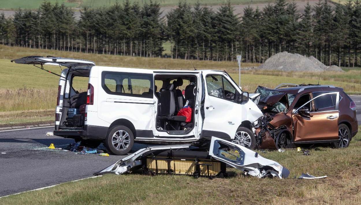 Siracusa in lutto per la famiglia coinvolta in un incidente stradale in Scozia: morto un bimbo, gravi i genitori