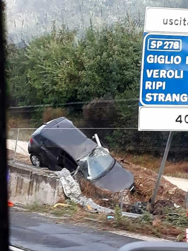 Incidenti: auto già da un viadotto, un morto e due feriti nel Frusinate