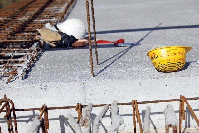 Incidenti sul lavoro, precipita da un cantiere a Palermo: è grave