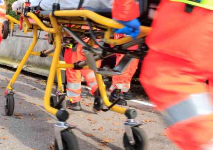 Incidenti stradali: ciclista travolto da un furgone a Paternò, ferito