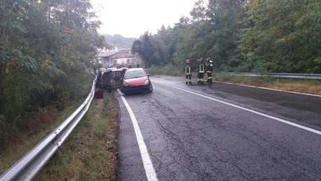 Incidenti stradali, scontro tra auto nel Cosentino: un morto
