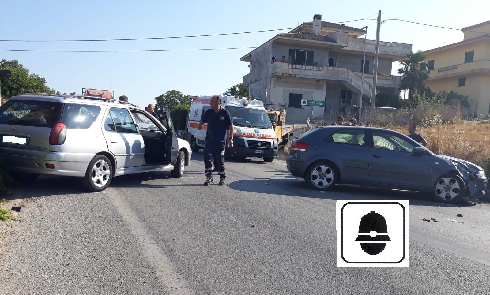 Modica, scontro fra due auto sulla strada per Giarratana: due feriti