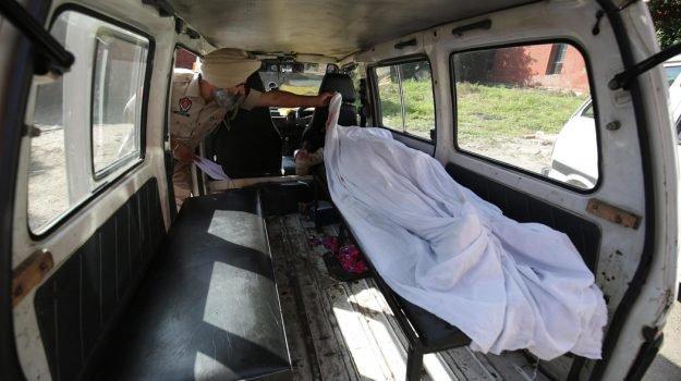 Liquore al metanolo in una festa in India: 40 morti
