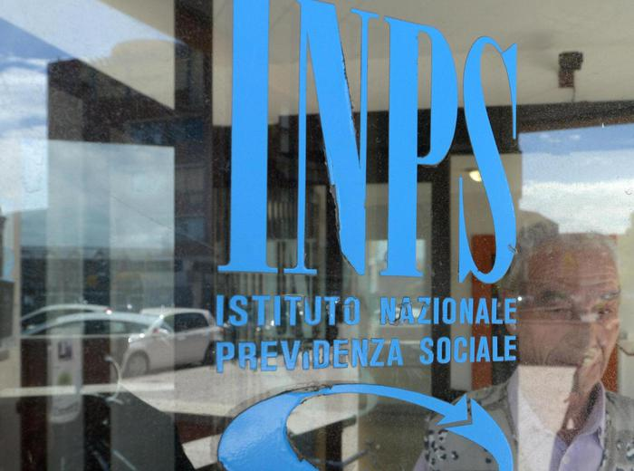 Inps, false assunzioni: perquisizioni a Roma ed in Campania