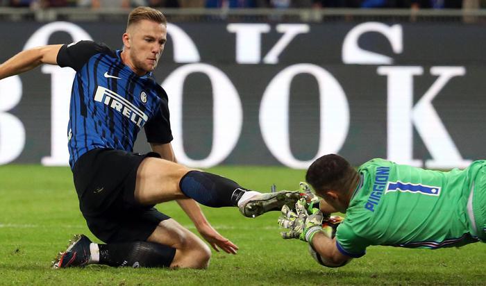 L'Inter soffre ma batte la Sampdoria (3-2): nerazzurri  al comando