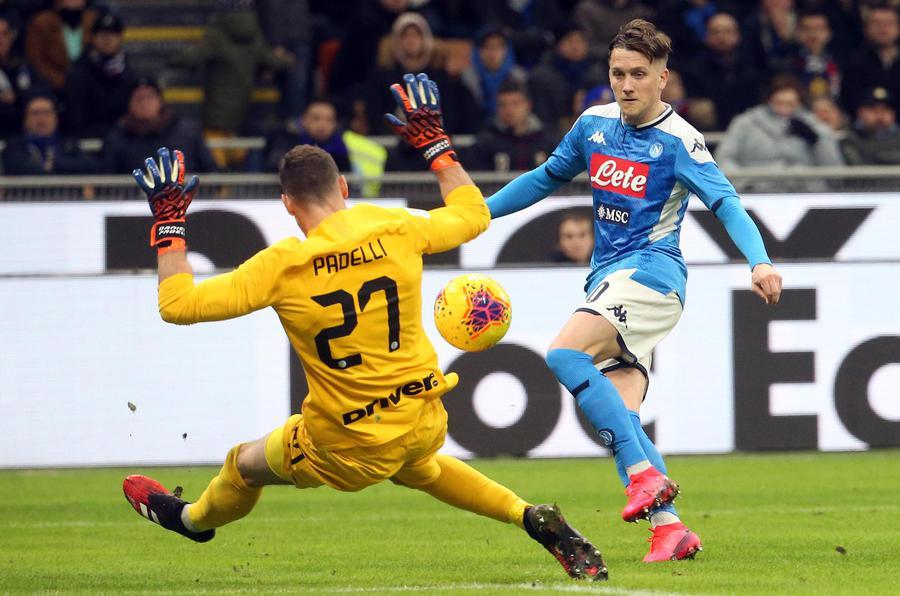 Pazzo Napoli sbanca San Siro in Coppa Italia: Inter battuta con un gol di Ruiz