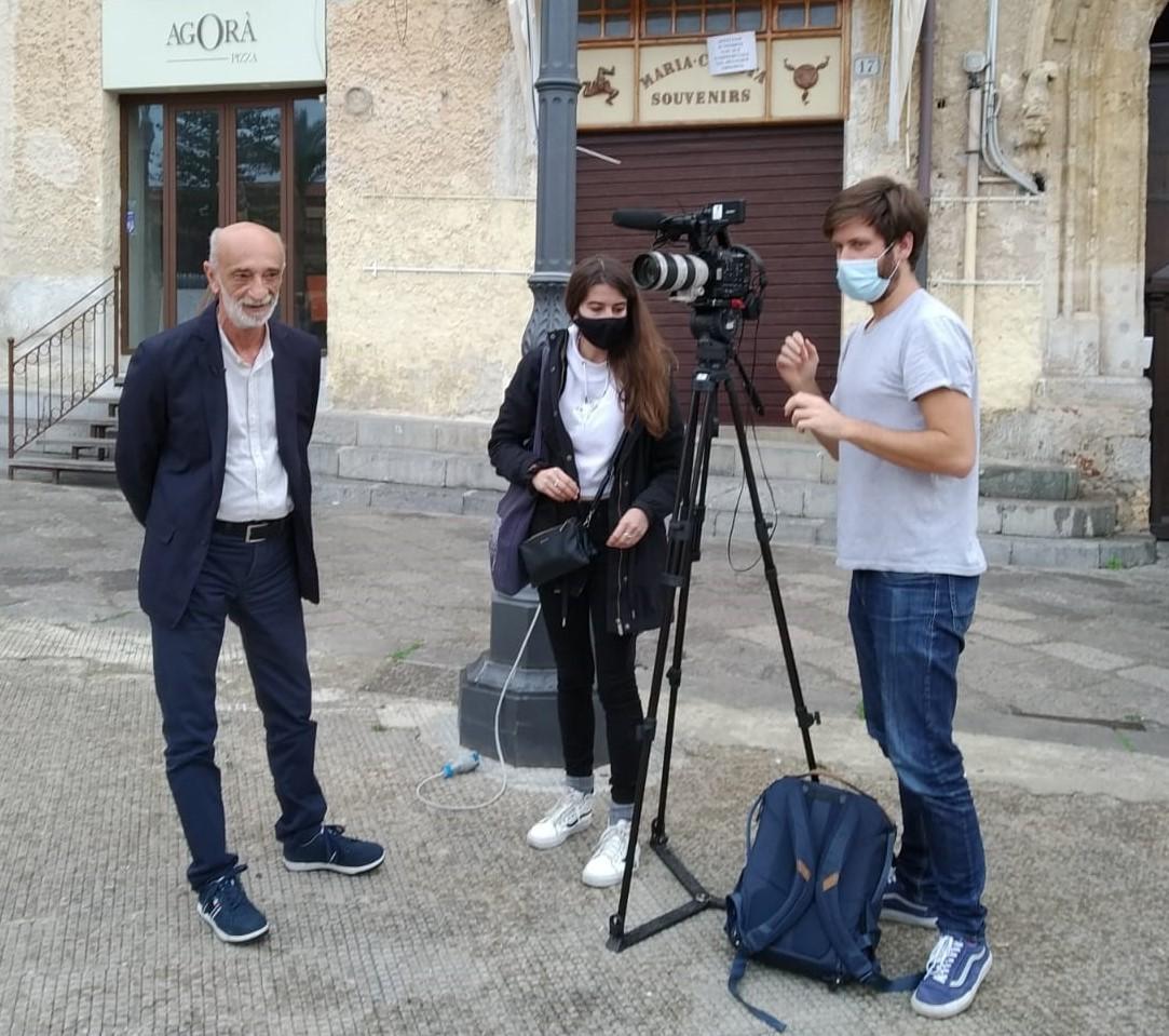 Lo scrittore siciliano Soldano alla TV francese presenta il suo ultimo libro