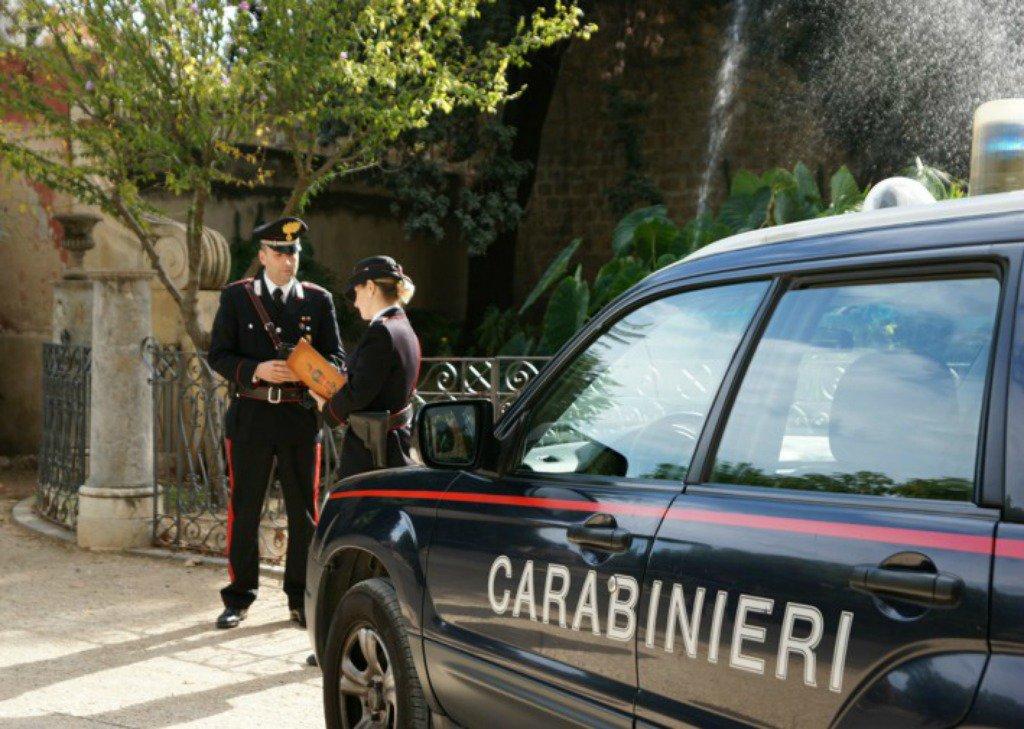 Intrappolati in una strada, intervengono i carabinieri a Siracusa