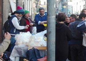 Catania, sgomberato l'edificio dell'Ipab: tre persone portate in Questura