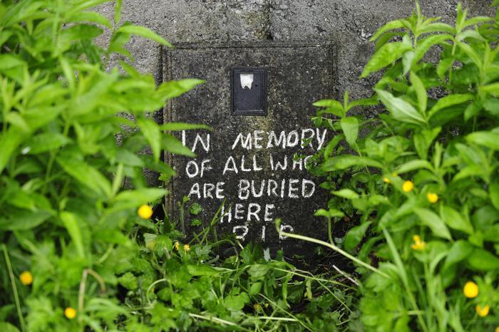 Orrore in Irlanda, trovata una fossa comune in un orfanotrofio cattolico