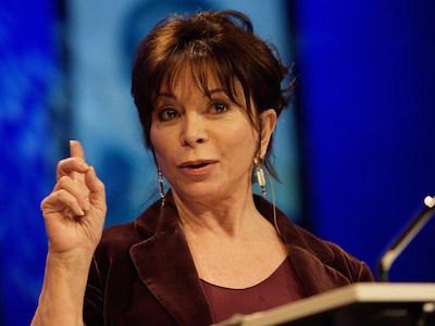 Catania, il Premio Sicilia a Isabel Allende: domani al Teatro Antico
