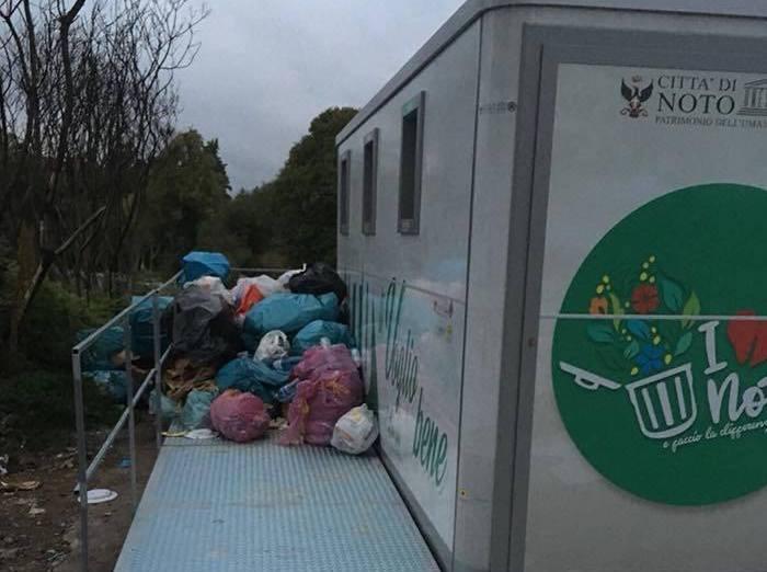 Terza isola ecologica a Noto, è il caos