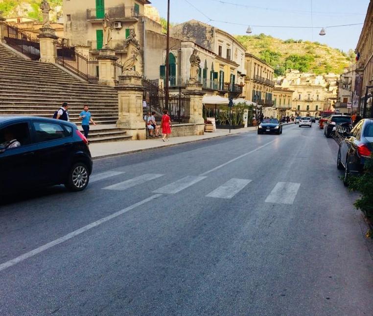Modica, al via l'isola pedonale nel tratto del Corso fra Piazza Municipio e Corso Garibaldi