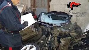Ispica, riciclava pezzi di ricambi di auto rubate: denunciato a piede libero