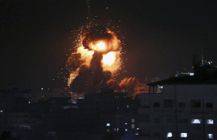 Sale la tensione in Medio oriente,  colpito l'ufficio di Hamas