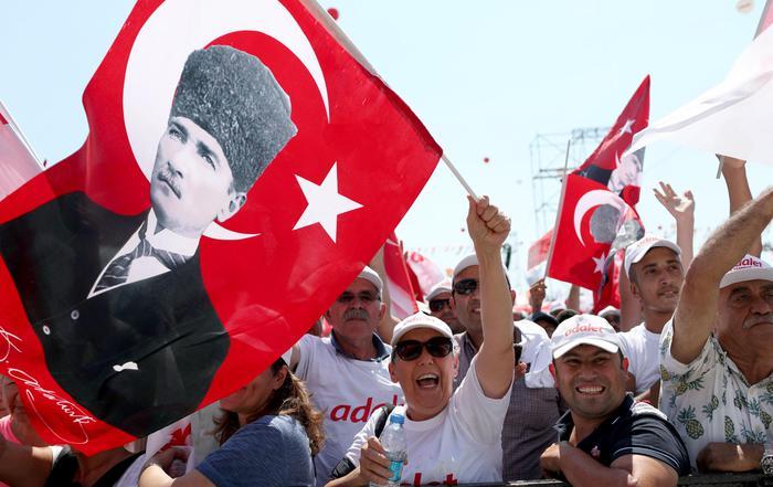 Marcia per la Giustizia a Istambul: un milione in piazza