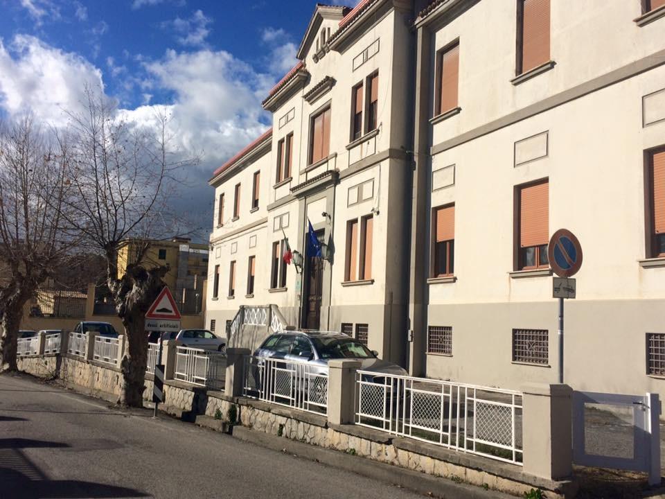 Detenuto si dà fuoco nell'istituto minorile di Catanzaro