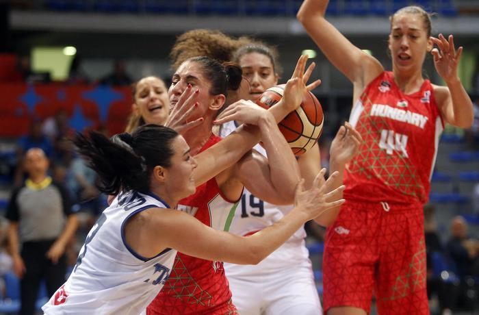 Europeo di basket, le azzurre inciampano con l'Ungheria ma restano in corsa per i quarti