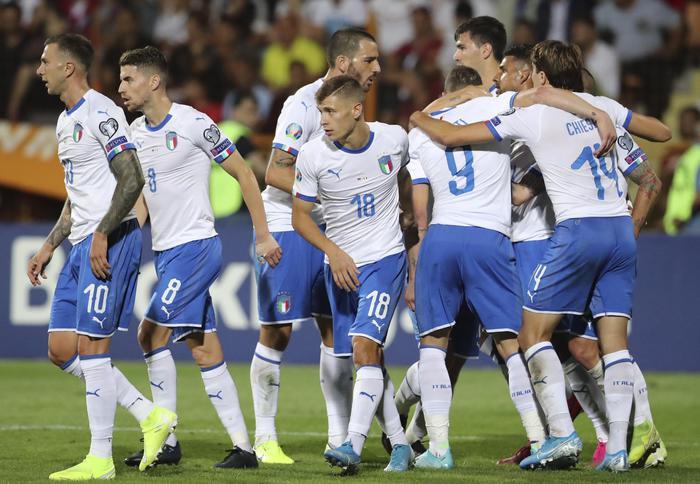 Euro 2020, l'Italia soffre ma batte fuori casa in rimonta l'Armenia ( 1 - 3)