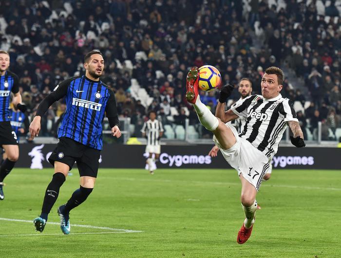 Calcio: Inter resiste in casa Juve, oggi Napoli cerca sorpasso