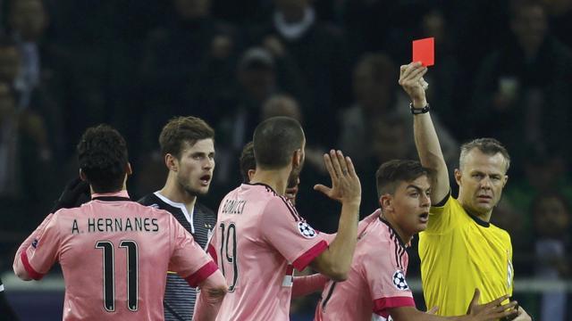 La Juve strappa il pari al Borussia Moenchengladbach: ottavi di finale più vicini