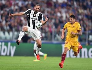 Non basta Higuain alla Juventus che colpisce la traversa: 0 a 0 col Siviglia