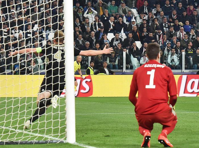 La Juventus si arrende in casa all'Ajax ( 1 - 2 ): è fuori dalla Champions