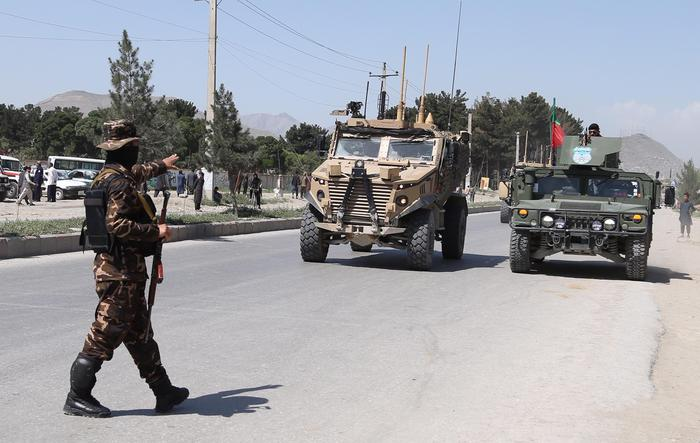 Esplode autobomba a Kabul, almeno ottanta feriti