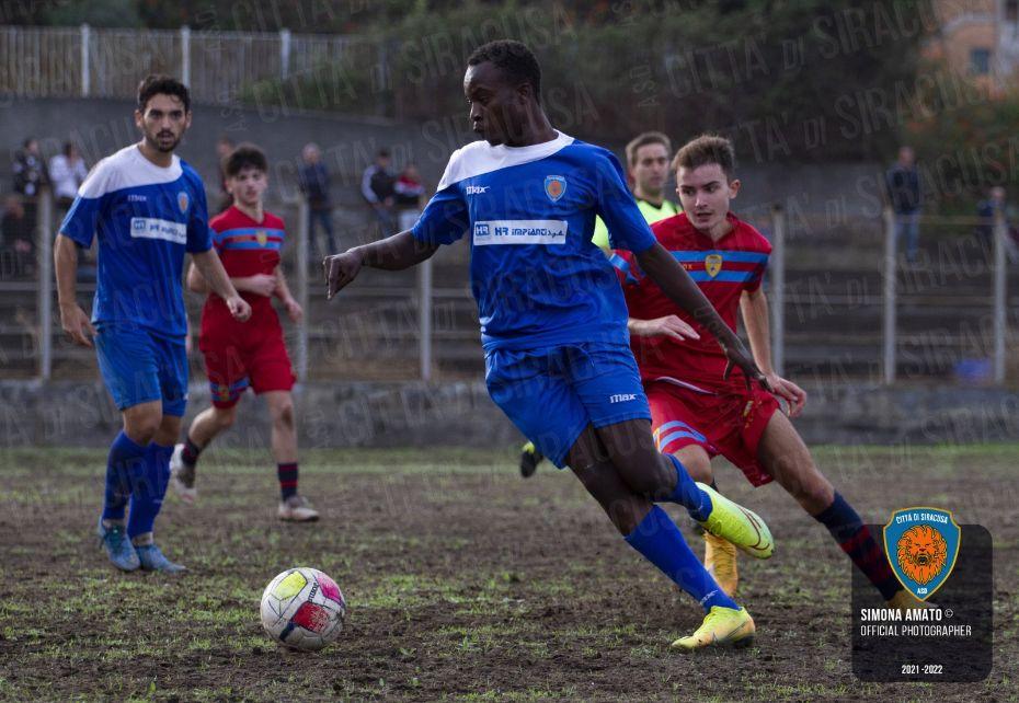 Il Siracusa trova la prima vittoria stagionale sul campo dell'Atletico Catania