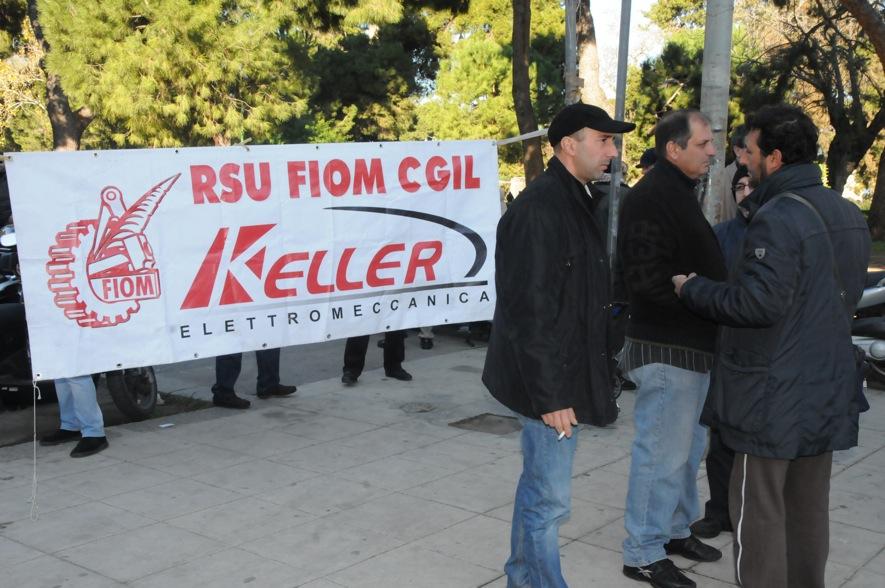 Il fallimento della Keller, sit-in degli operai davanti la fabbrica di Carini