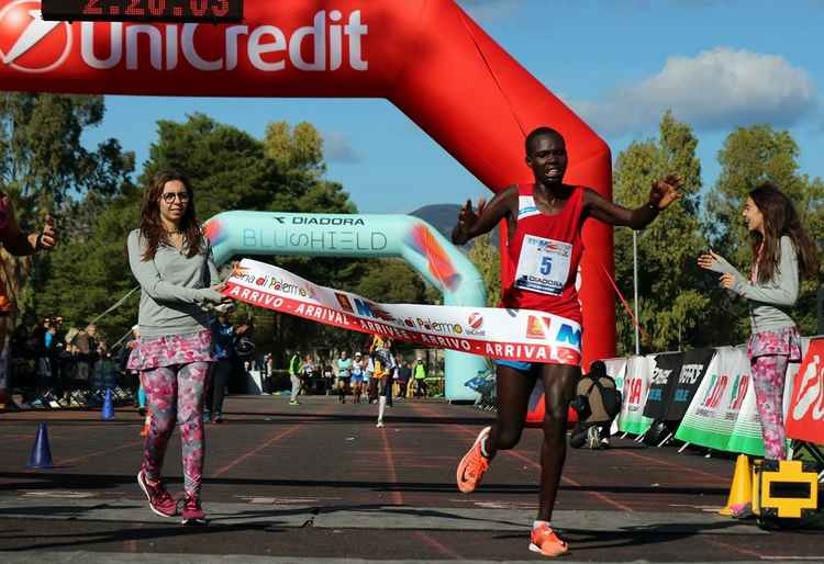 Maratona di Palermo, keniano Hosea Kisorio Kimeli è primo al traguardo