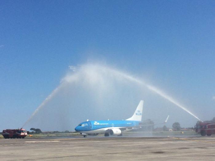 Primo volo della Klm in un secolo di storia Amsterdam - Catania