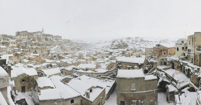 La neve manda in tilt la Sicilia, diversi Comuni isolati