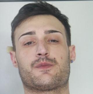 Catania, beccato con cocaina e anfetamina: pusher in manette