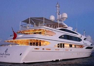 Sosta tecnica al porto di Siracusa del mega yacht
