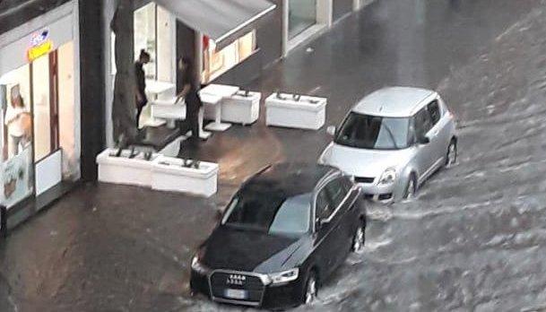 Catania e Palermo in tilt per la pioggia: allerta meteo nelle zone joniche