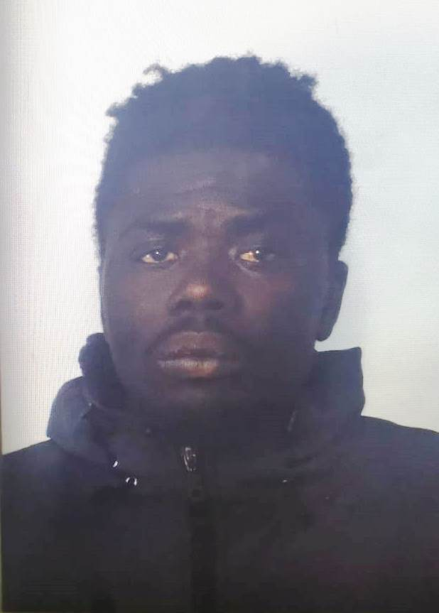 Catania, gli trovano la marijuana e un'ascia: arrestato