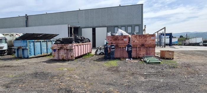 Sequestrato a Lamezia Terme stabilimento industriale: 4 denunce