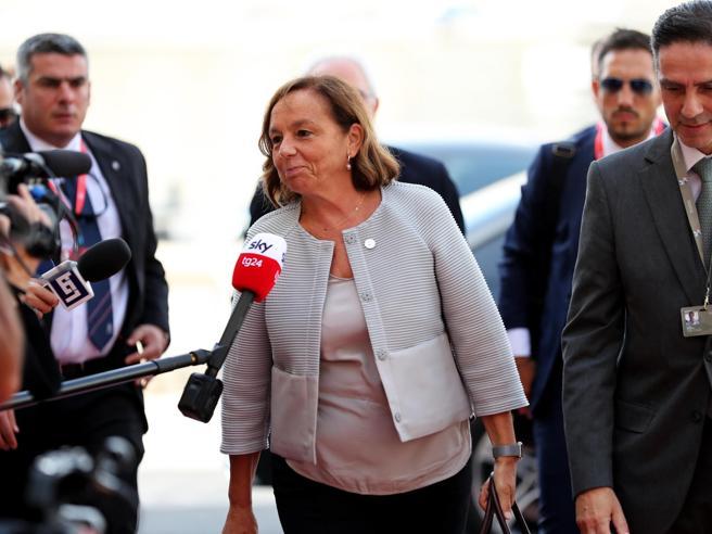 """La ministra Lamorgese sui migranti: """"Sforzi per aiutare i Paesi africani"""""""