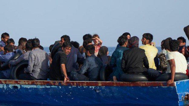 Lampedusa, sbarcati a Punta Sottile una cinquantina di migranti