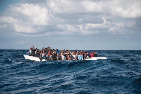 Alarm Phone, 70 migranti in difficoltà a Lampedusa