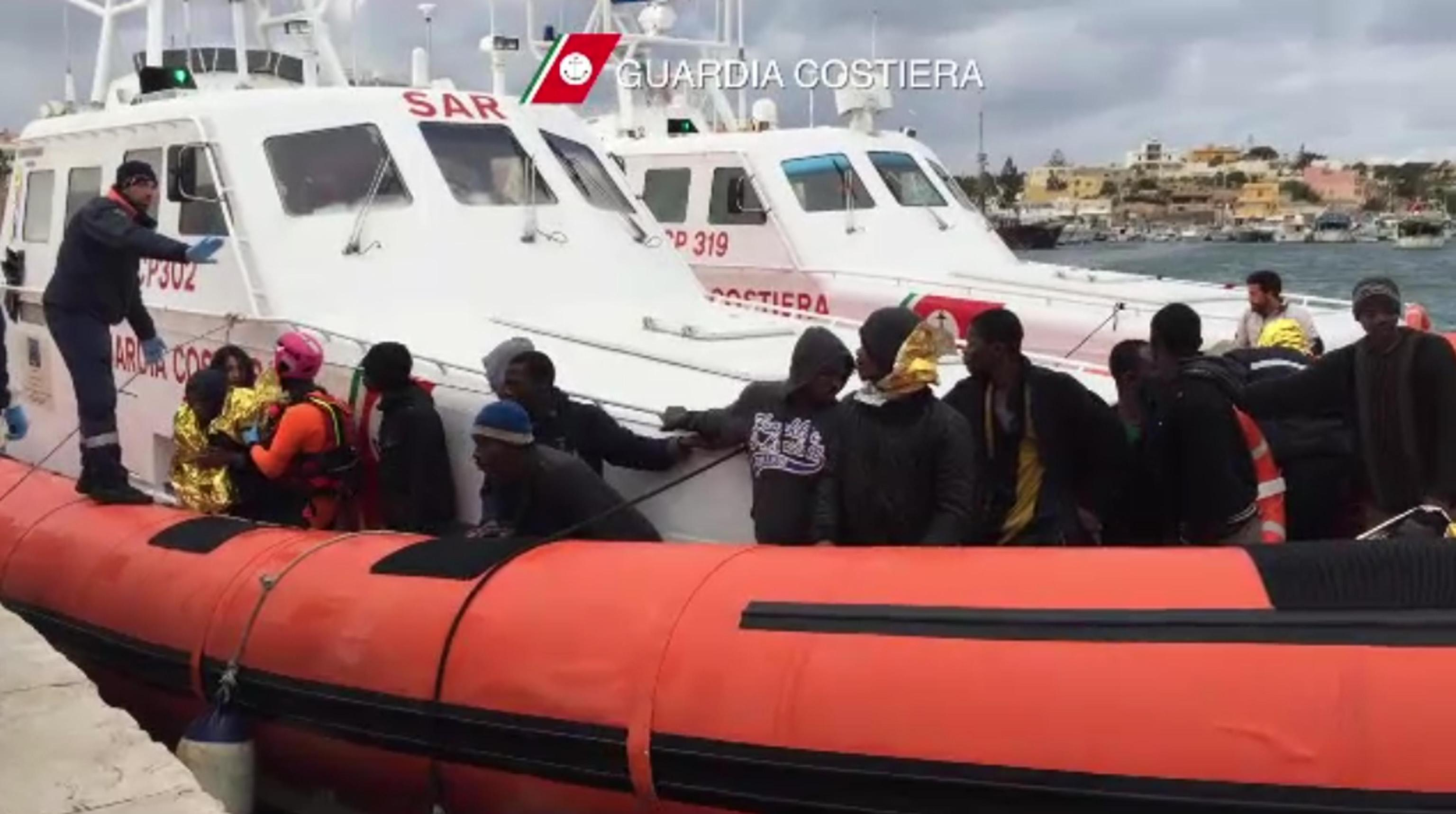 Lampedusa, Guardia costiera soccorre 87 migranti