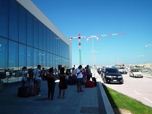 Gli aerei non ci sono, turisti diretti a Bergamo e Parma restano a Lampedusa