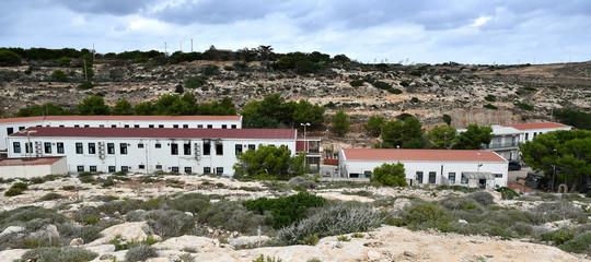 Svuotato Hotspot Lampedusa: trasferiti tutti i migranti
