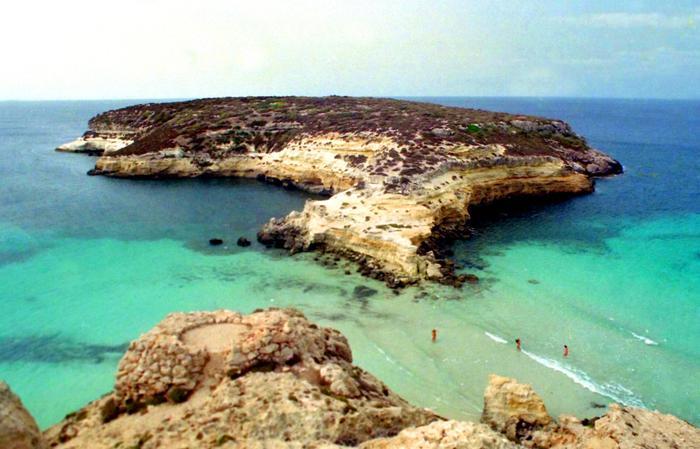 Aspetta da 31 anni la sanatoria, Tar condanna Comune di Lampedusa